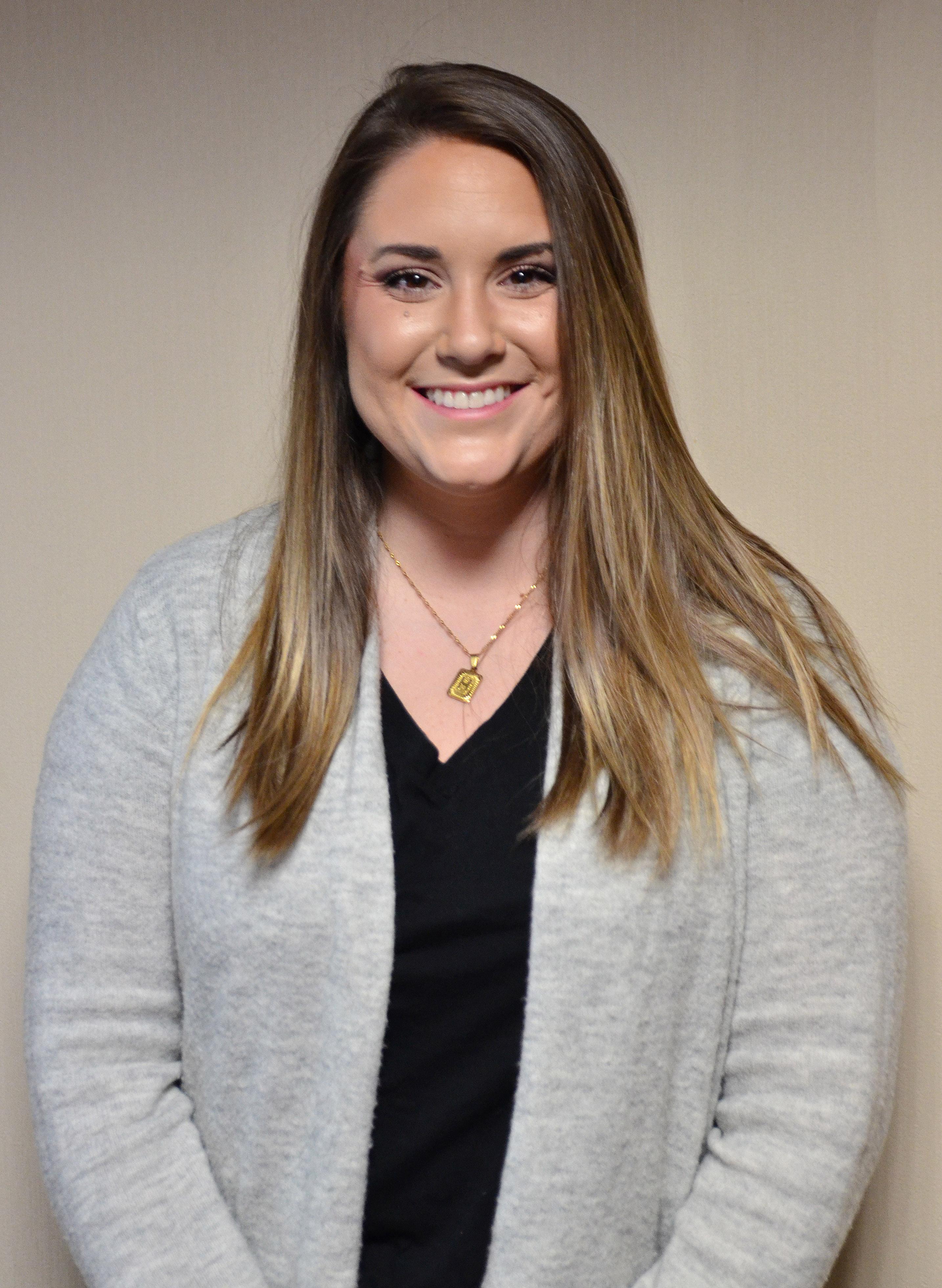 Holly Cook : Sales Representative